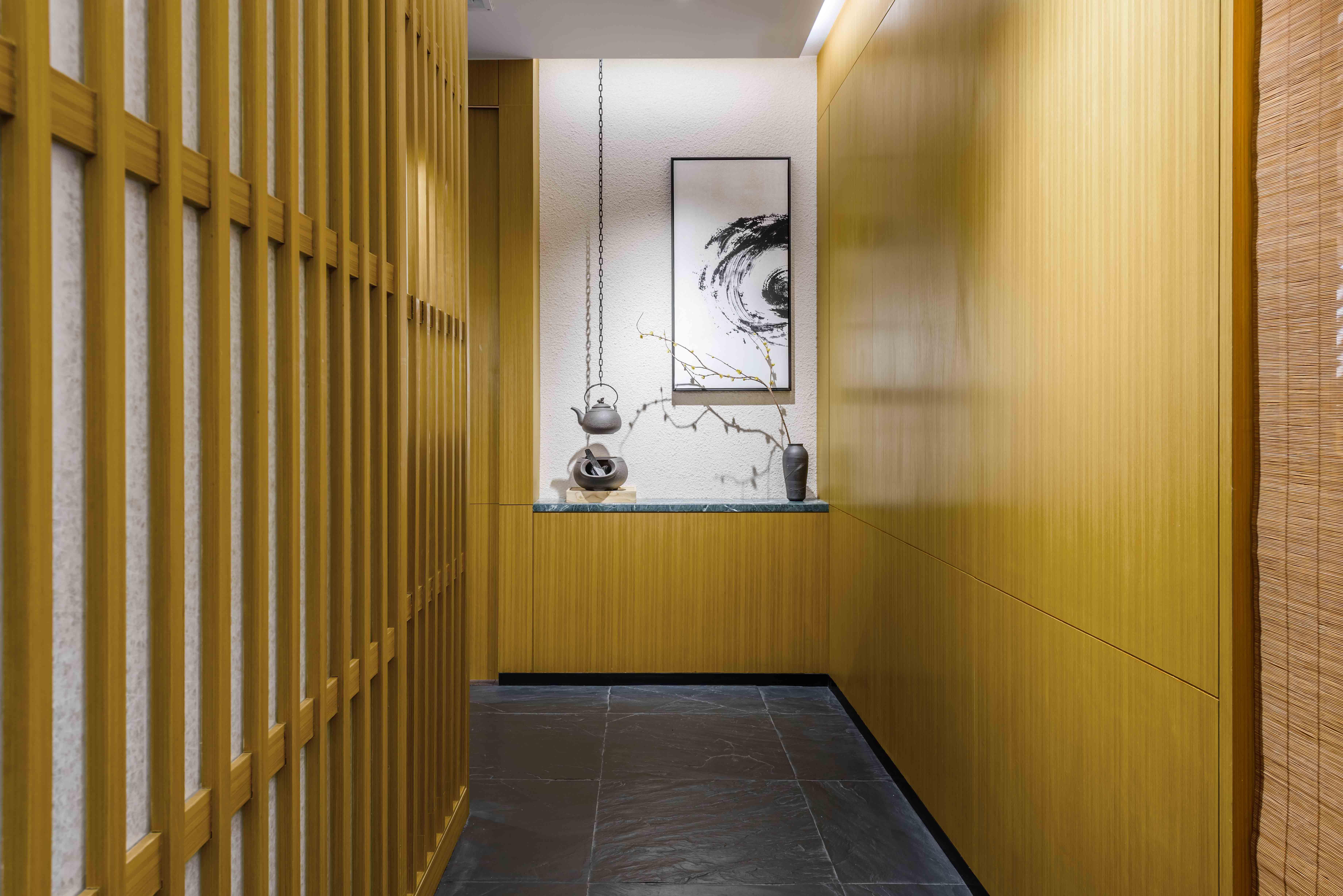 A Charcoal Ritz Carlton